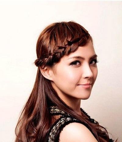 大脸适合扎头发方法脸大女生头发全扎起来蓬松的女生看番里图片图片