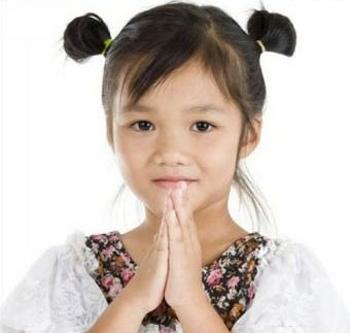 > 儿童发型绑扎方法 >   炎炎夏季,小萝莉们的发型大多以短发为主