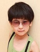 小男孩蘑菇头发型怎么剪 小男孩蘑菇头发型图片