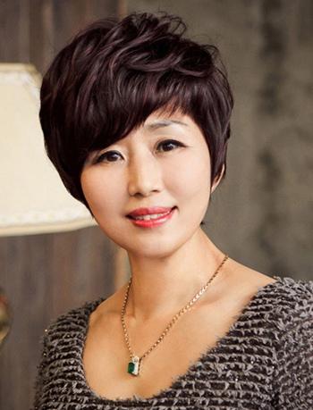 女性中老年最新流行发型 适合中老年女性的短发发型