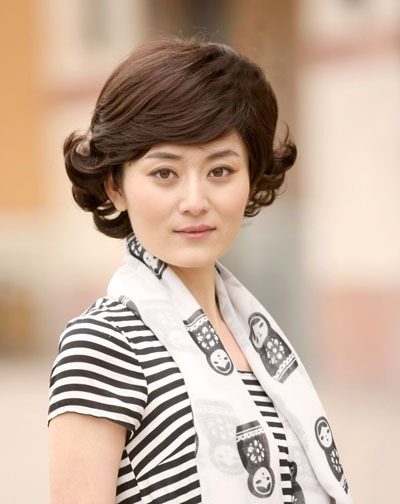 气质发型_女生气质发型扎法_气质发型图片_短发气质图片