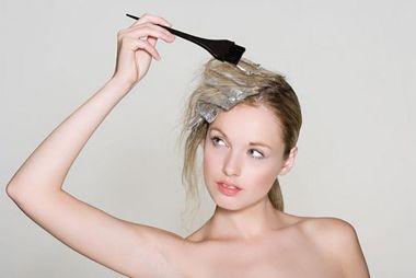 烫发染发可以一起进行吗 烫发染发注意事项