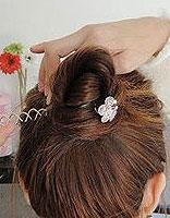 螺旋盘发器怎么弄头发 螺旋盘发器盘发图解