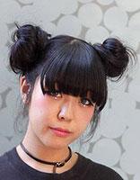 非主流蓬松盘发发型 非主流蓬松丸子头发型图片
