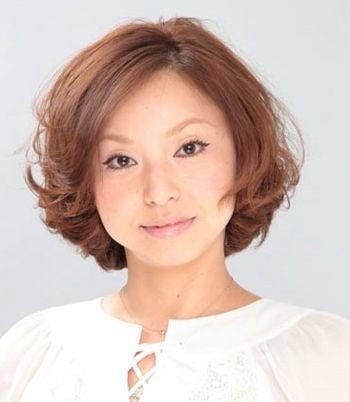 脸小的中老年人适合烫什么发型 中老年发型设计与脸型搭配