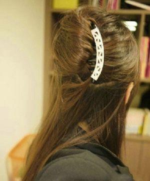 晚宴盘发梳的使用方法 晚宴盘发发型步骤图解