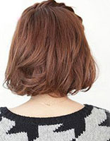 头上有个辫子的发型扎法 方脸辫子发型扎法图解