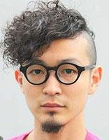 理发店男生卷发发型 适合男生的卷发发型图片图片