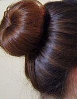 长发女生怎么盘花苞头 长发如何自己盘简单花苞头