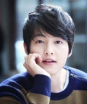 中学男生圆脸帅气发型图片