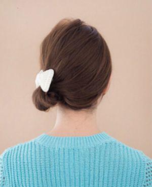 齐肩直发怎么扎丸子头 直发丸子头的扎法步骤图片