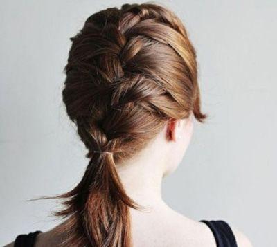 蝎子辫发型的梳法教程 蝎子头发型制作过程图片