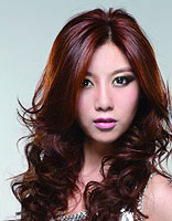 脸大的女生烫什么头发好看 大脸适合的烫发发型图片