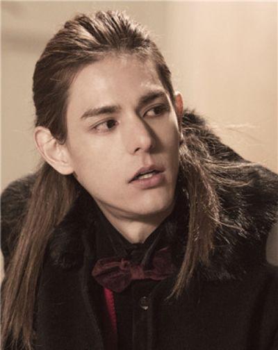 好看的男生长发发型
