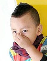 四岁小男孩超酷发型 四岁男孩短发发型图片