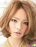 头发不是很多中长头发中分陶瓷烫图片 头发少中分陶瓷烫发型