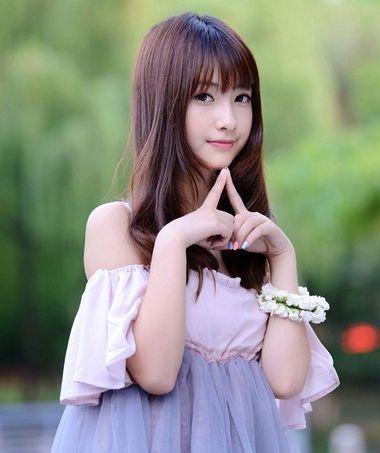 婚礼直发齐刘海发型 女生齐刘海长直发发型