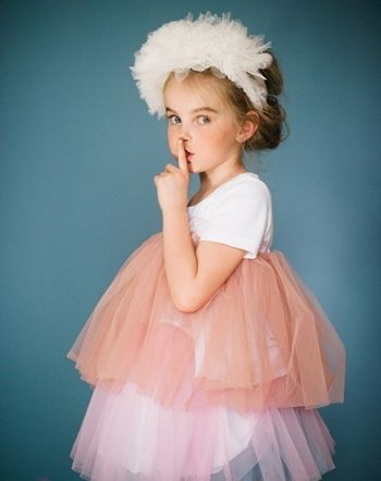 小女孩发型 小女孩发型设计 小女孩发型绑扎方法视频 小女孩发型图片图片