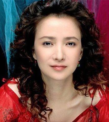 中年妇女烫发的发型 中年人最新的流行烫发发型图片[中年发型]-减龄发图片