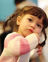 适合小女孩的发型怎么编 短头发小孩漂亮的发型及编法
