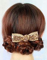 怎么样用辫子盘发型 自己能盘的简单蓬松发型