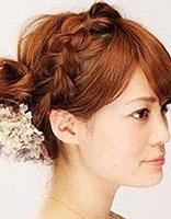 中短发梨花怎么扎头发 中短梨花烫发型扎法图解