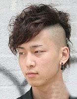 碎刘海男生莫西干发型 男生碎刘海发型