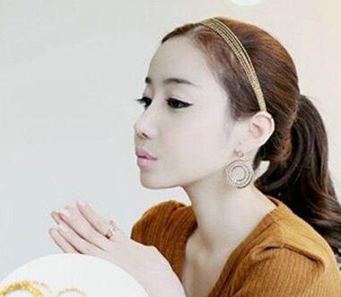 没有刘海咋样戴发箍好看 没有刘海的女生怎样戴发箍好看图片