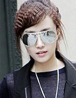烫好的卷刘海为什么会往外翻 烫斜刘海卷发发型图片