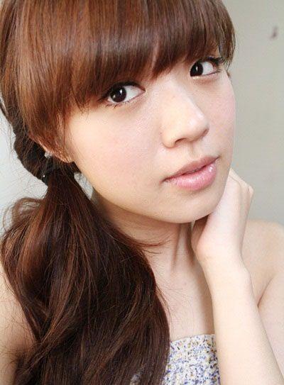 齐刘海直发怎样扎头发简单的详细步骤 齐刘海直发扎头发方法