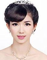 新娘盘发如何打理头发 新娘中长发盘头发造型图解