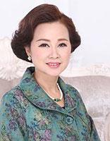50岁女人烫发是否好看 50岁中老年女士烫发发型