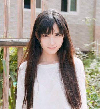 瓜子脸女生适合烫什么样的刘海 直刘海中长烫发发型