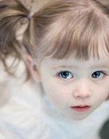 孩子短头发怎么扎好看 女孩子的发型扎法步骤