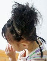 6岁以上女孩扎发发型 小孩中发发型扎法图解