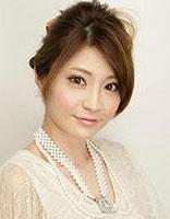 圆形脸女生适合盘什么发型 圆脸适合的盘头发型图片