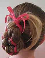 小女孩简单的发型编法 小女孩编辫子发型步骤