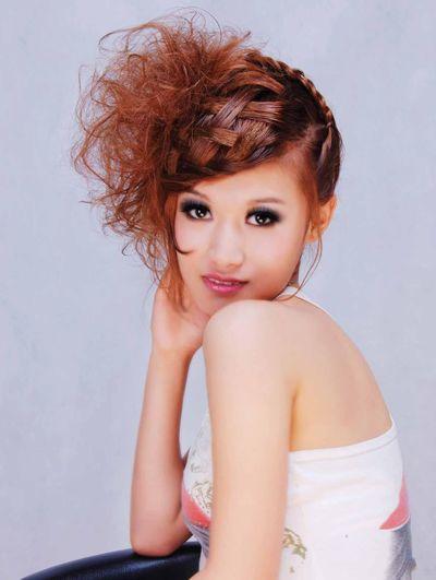头发多简单盘发发型 到腰长发盘发发型图片