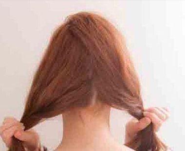 女生齐刘海夏季头发怎么扎好看 齐刘海中发发型扎法