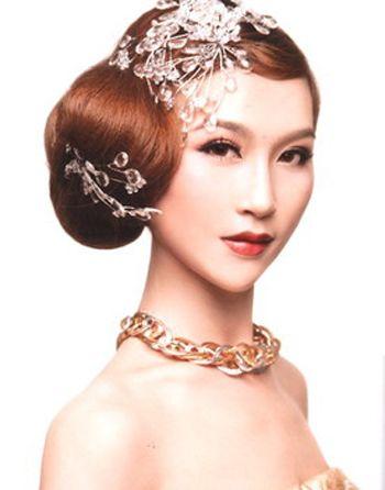 工作的女人盘的发型 最新最简单盘发发型