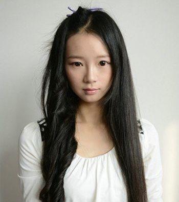 发型热点 > 卷发棒使用方法 >   直发的女生已经逐渐的淡出了我们欣赏图片