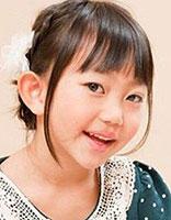 小姑娘自编发型 编心形发型扎法图解