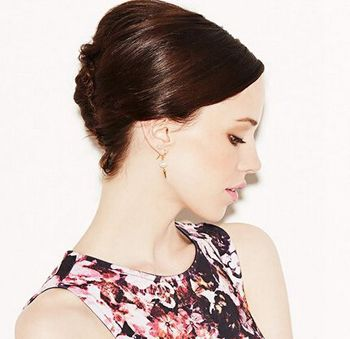 短发礼仪盘发发型图片 短头发盘头发型设计