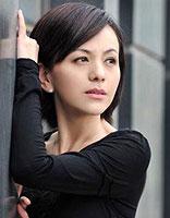 国内中年女演员短发烫发发型图片 中年短发小卷烫发发