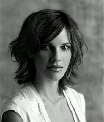 国内中年女演员短发烫发发型图片 中年短发小卷烫发发型[明星发型]-