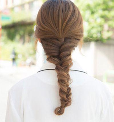 详细的直长发发型扎法图解整理出来分享给大家