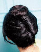 长发直发怎么自己扎花包头 长直发如何扎出慵懒感