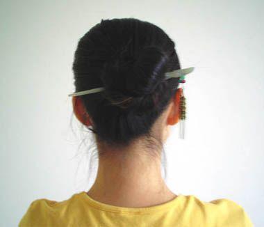 如何正确使用盘发工具盘髻 用木棍如何盘发髻
