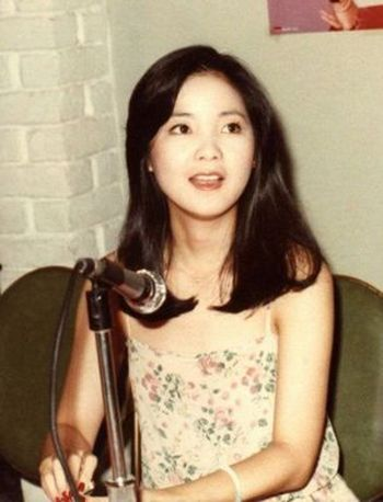 邓丽君脸型适合的发型图片 最流行的脸型发型