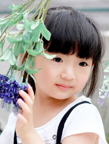 有刘海直发怎么扎好看 有直短刘海小孩扎头法图片